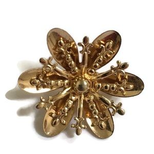 Jewelry - 💲3/15. Flower Brooch